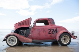 Toby Nevitte's '34 Ford coupé, with a full race flathead V8 motor