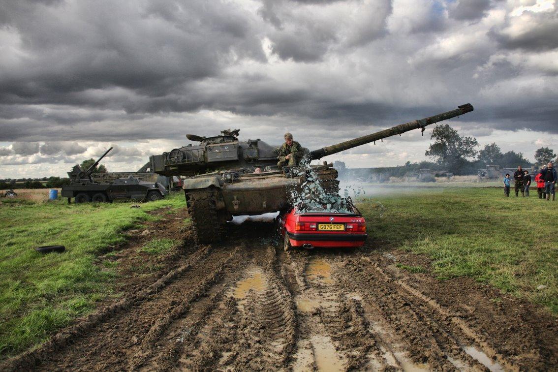 tank crush car tanks a lot